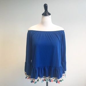 Tops - Off the shoulder tassel Top